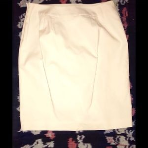 Banana Republic cream colored pencil skirt. 12